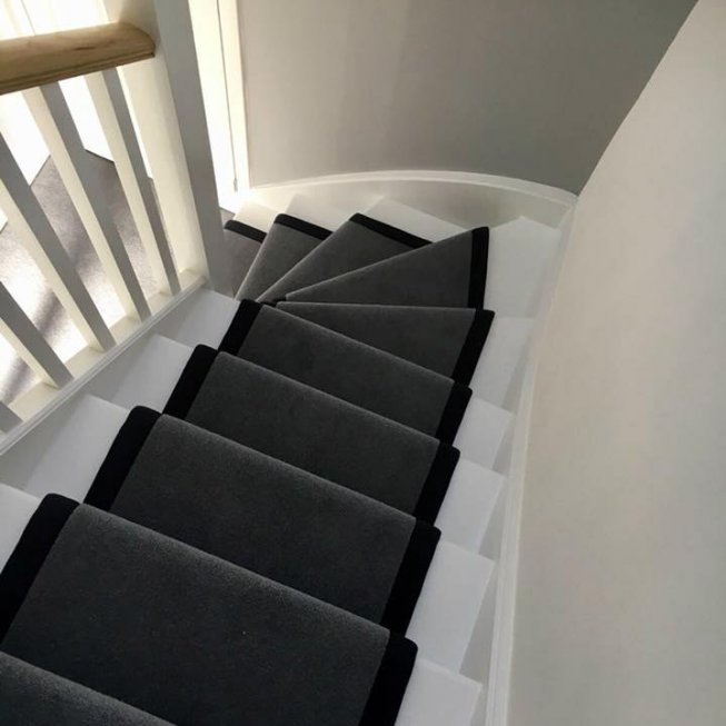 80/20 Wool Twist Runner with a Charcoal Fabric Edge