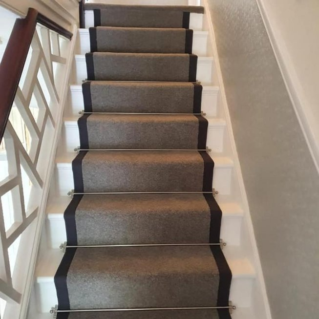 80/20 Wool Twist Grey Runner with Fabric Edge and Jubilee Satin Nickel Rods