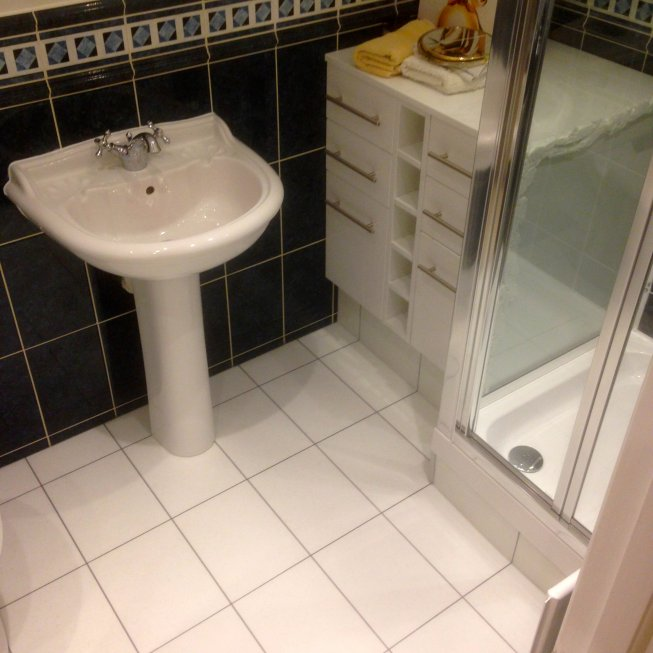 Amtico 9 x 12 Bathroom Tiles