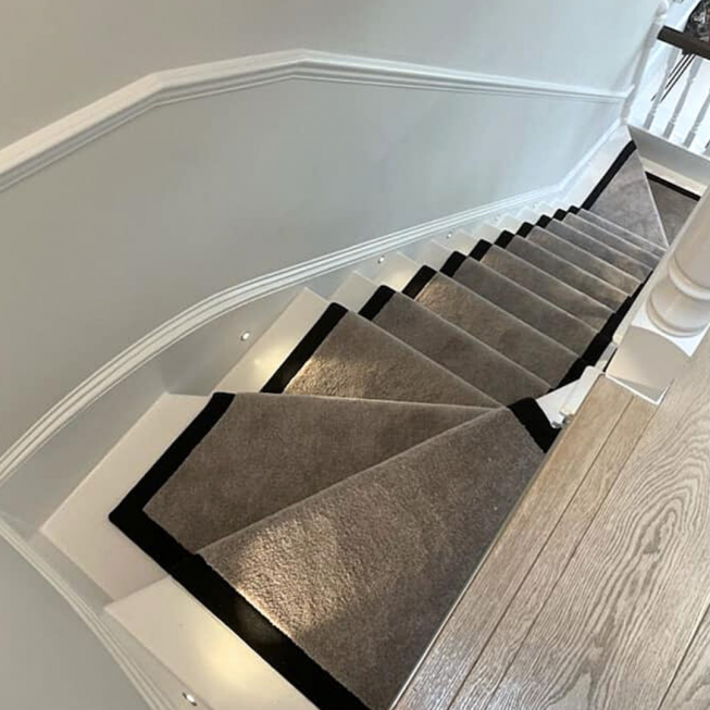 SmartStrand Freedom Twist Runner with Vision Sphere Chrome Stair Rods REF 12058